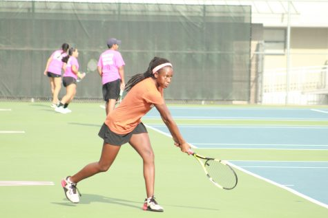 Varsity Tennis Serves Up a Win