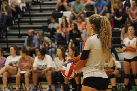 Varsity Volleyball Upsets Round Rock With Clean Sweep
