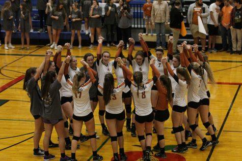 Varsity Volleyball Sweeps Regional Quarterfinals