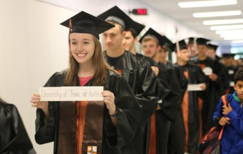 GALLERY: Seniors Walk Through Elementary and Middle Schools
