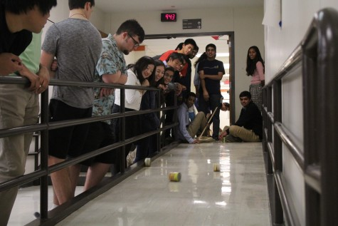 AP Physics C Students Participate in Interactive Lab