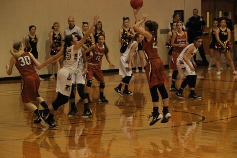 Varsity Girls' Basketball Makes Playoffs