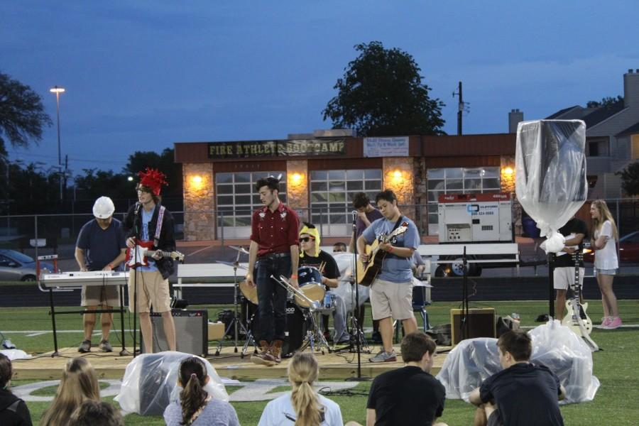 Rylan and the Class of 2015 perform their set. This was the first year that the band performed at Warrior Fest. Photo by G. Cauble.