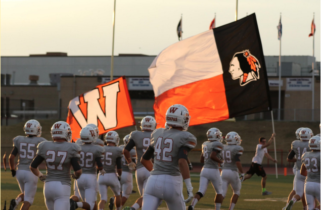 Flag Runner Connor Benyo '16 Shows Dedication to Football Team