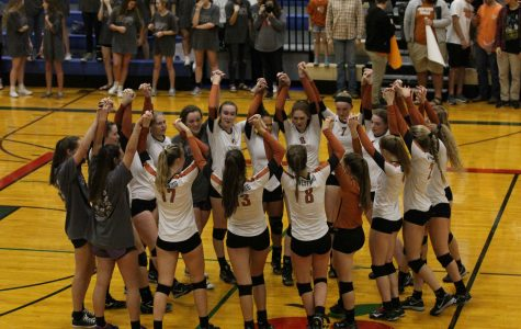 Varsity Volleyball Sweeps Regional Quarterfinals