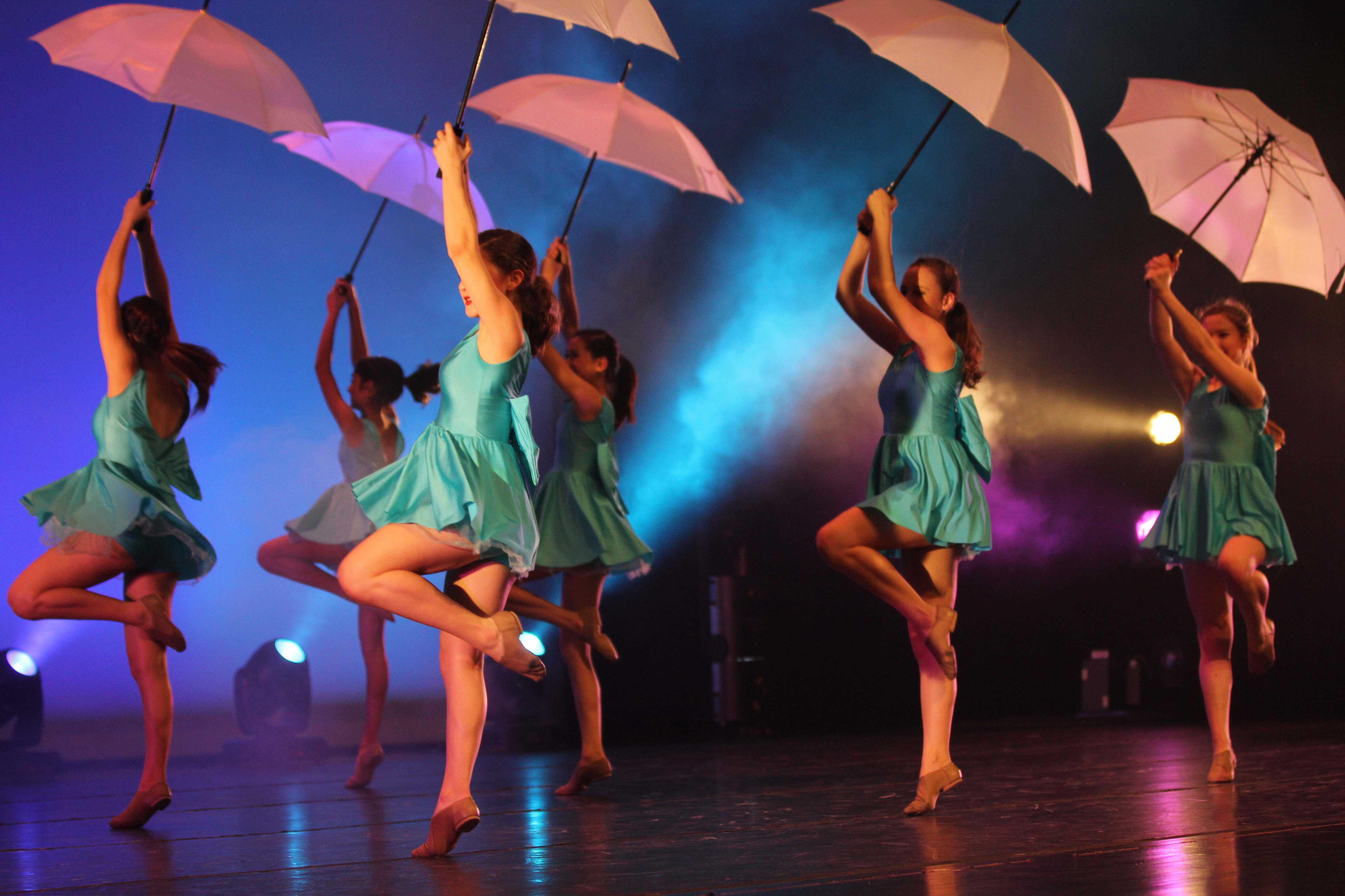 SunDancer+Babies+dance+to+%22Don%27t+Rain+On+My+Parade%22.