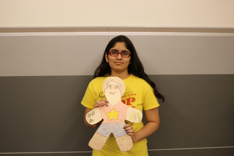 Sara+Momin+%2720+presents+her+doll.