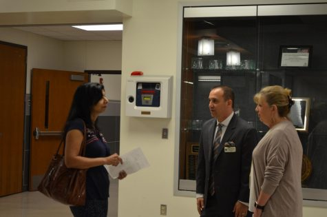 Parents Attend Teacher Presentations at Open House