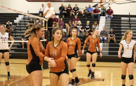 JV Orange Volleyball Slips Under Round Rock in Two Sets
