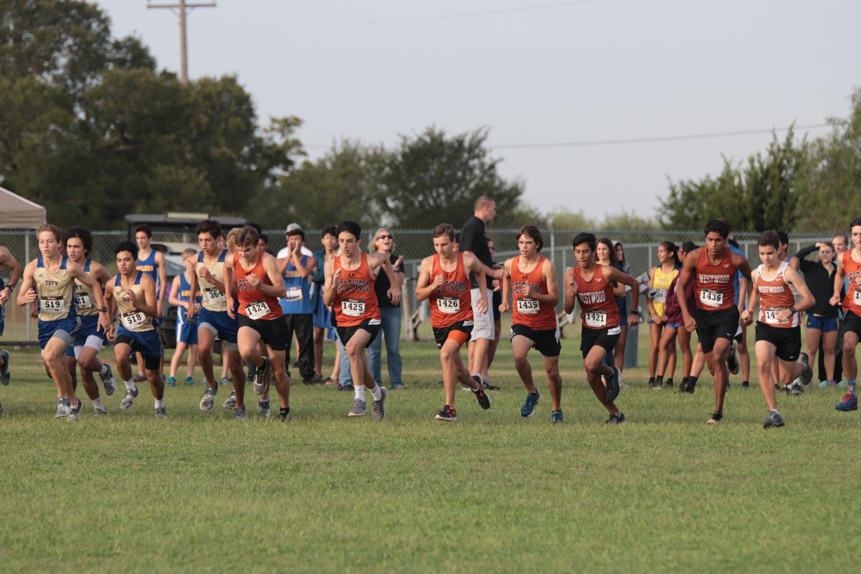 The+Warriors+begin+running+to+start+the+race.