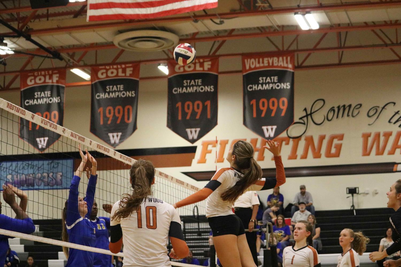 Varsity+Volleyball+Beats+Pflugerville+in+a+3-0+Landslide