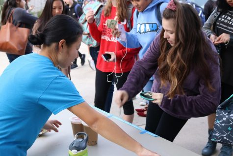Chinese Club Fundraises Through Boba Sales