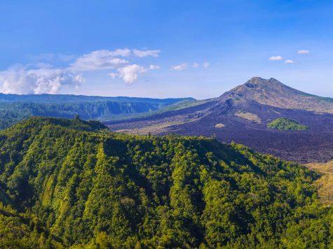Bali Volcano Threatens Thousands