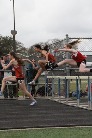 GALLERY: Track and Field Participates in Annual Mav Relays