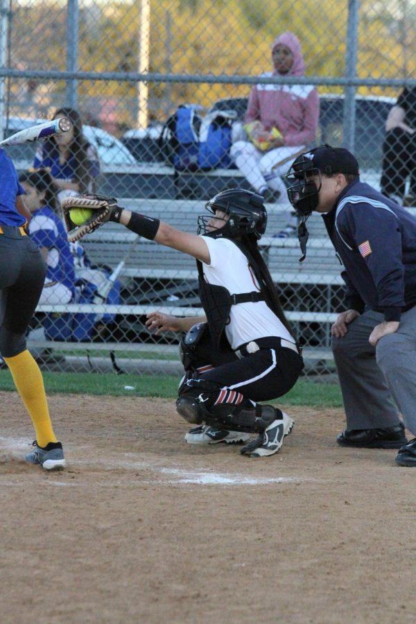 Gabriella Garcia '19 catches the ball.