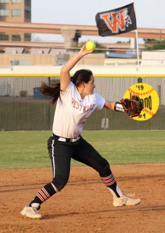 Varsity Softball Concludes Season Against Raiders
