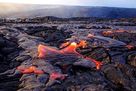 Kilauea Volcano Erupts, Displacing Hawaiians