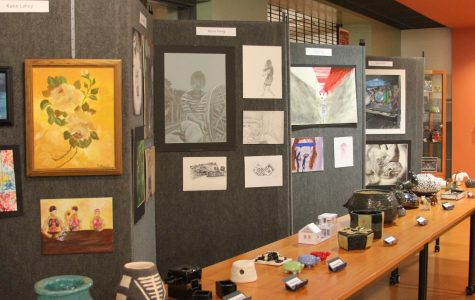 GALLERY: Seniors Display Artwork