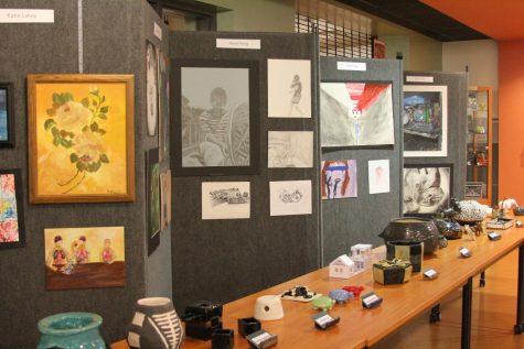 GALLERY: Seniors Display Artwork