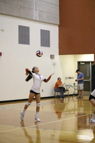 JV White Volleyball Team Defeats Stony Point Tigers 2-1