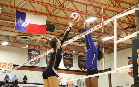 Varsity Volleyball Declaws Leander Lions 3-2 in Future Warriors Match