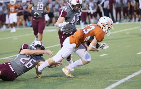 Varsity Football Falls in High-Scoring Battle to Round Rock