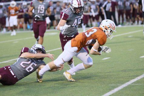 Varsity Football Falls in High-Scoring Battle to Round Rock