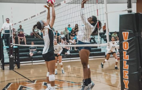 Freshman Volleyball Storms Mavericks 2-0