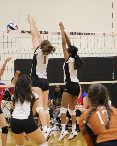 Freshman Volleyball Overcomes Leander 2-1