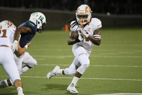 Varsity Football Falls In Heartbreaking 32-29 Loss to McNeil