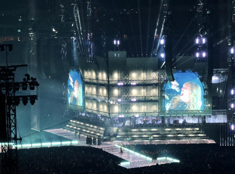 Taylor Swift reaches a high note during Don't Blame Me.
