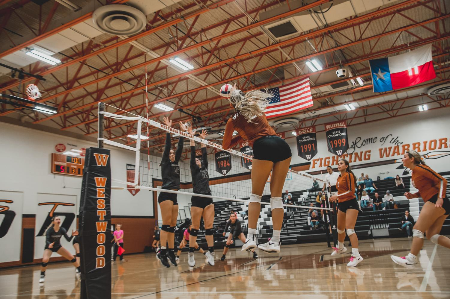 Varsity+Volleyball+Falls+To+Vandegrift+3-0+on+Parent+Night%2C+Homecoming+Game