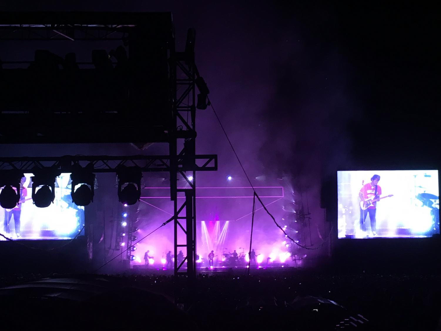 Bruno+Mars+plays+his+electric+guitar+and+impresses+the+audience+with+his+ability.