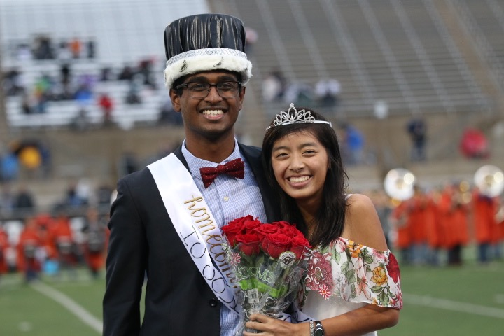 Seniors+Ani+Sreeram+and+Vivian+Tran+are+crowned+Homecoming+King+and+Queen.