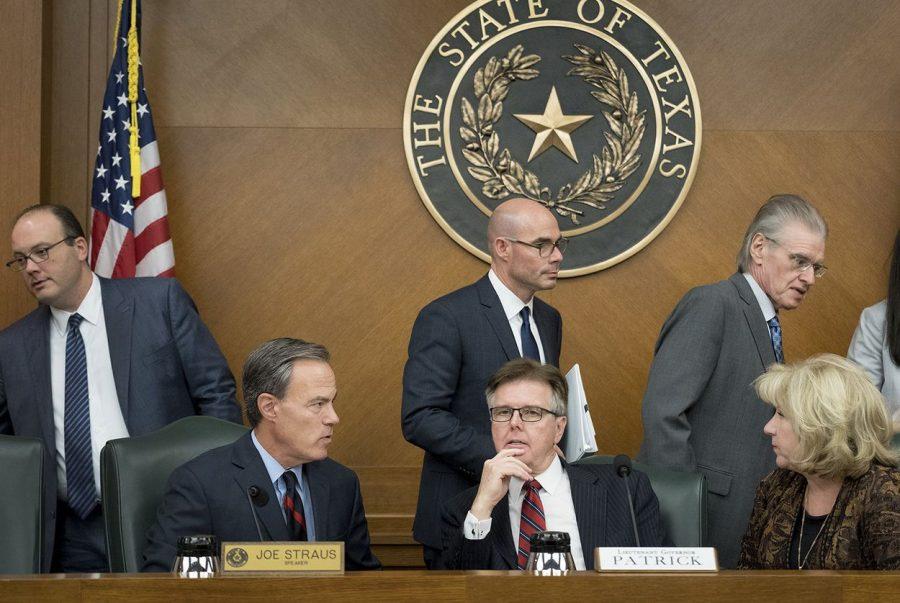 The+Texas+Legislative+Budget+Board%2C+including+House+Speaker+Joe+Straus%2C+Lt.+Gov.+Dan+Patrick+and+state+Sen.+Jane+Nelson%2C+on+Dec.+1%2C+2016.