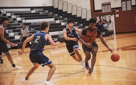 Varsity Boys' Basketball Scrimmage Foreshadows Season