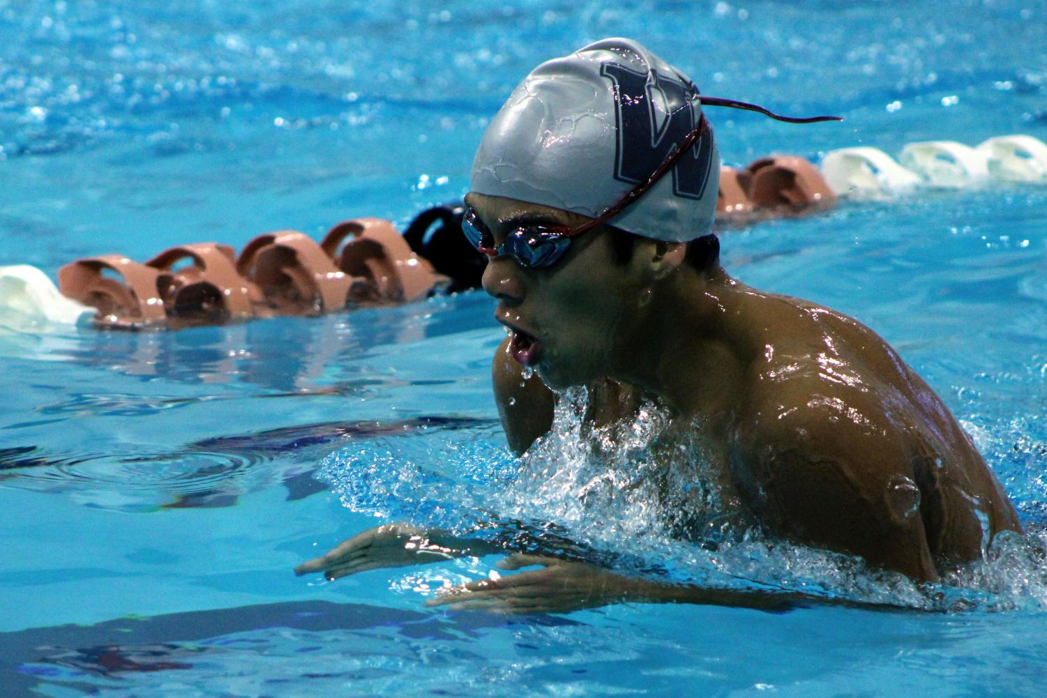 Carlos+Lenci+%2722+breaststrokes+in+an+event.
