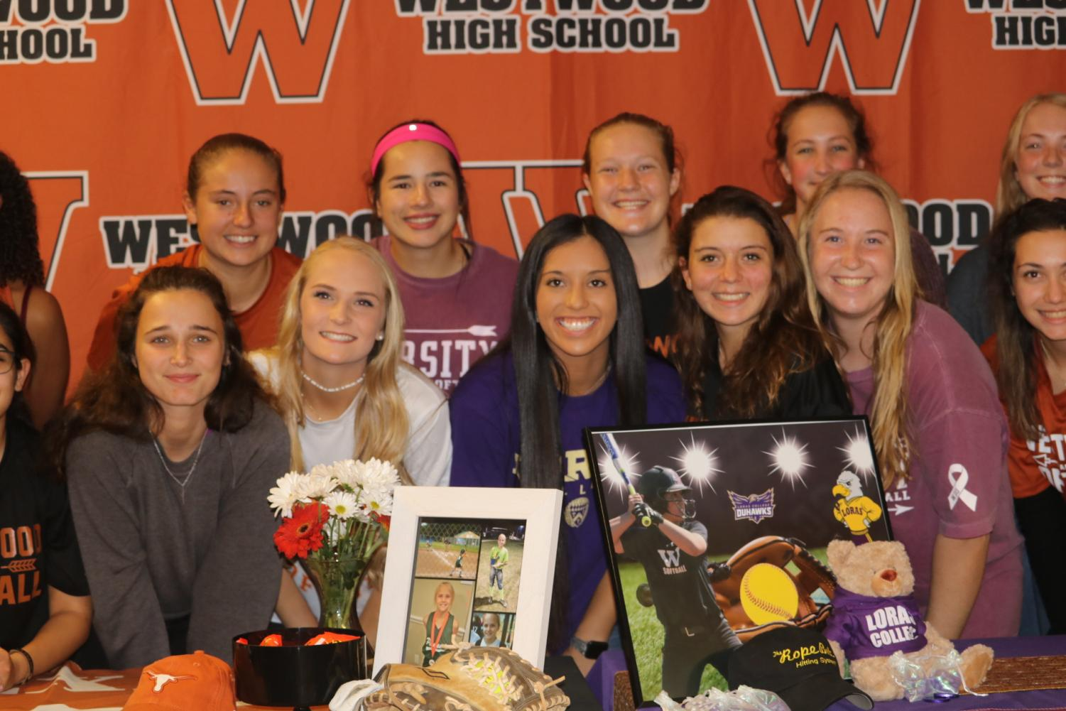 Softball+Players+Sign+National+Letters+of+Intent