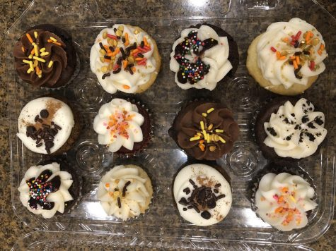 Cupprimo's Classic Cupcakes Charm Customers
