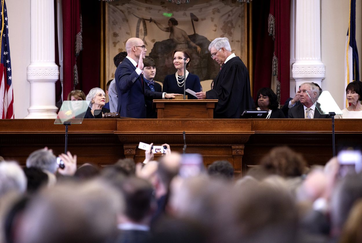 State Rep. Dennis Bonnen, R-Angleton, is sworn in as House speaker on Tuesday, Jan. 8, 2019.