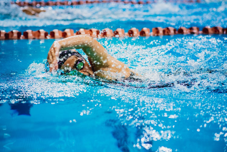 Taking+a+breath%2C+Anoushka+Narayan+%2722+swims+freestyle.
