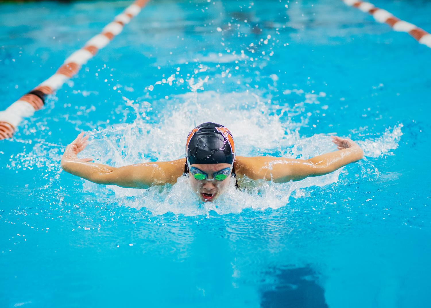 Evelyn+Ngo+%2719+swims+butterfly+during+the+individual+medley.