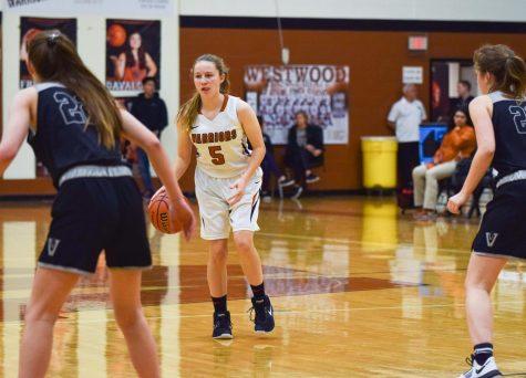 GALLERY: JV Girls' Basketball Narrowly Defeats Vandegrift 26-24