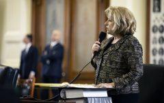 Texas Senate Unanimously Passes $5,000 Teacher Pay Raises, Adding Librarians