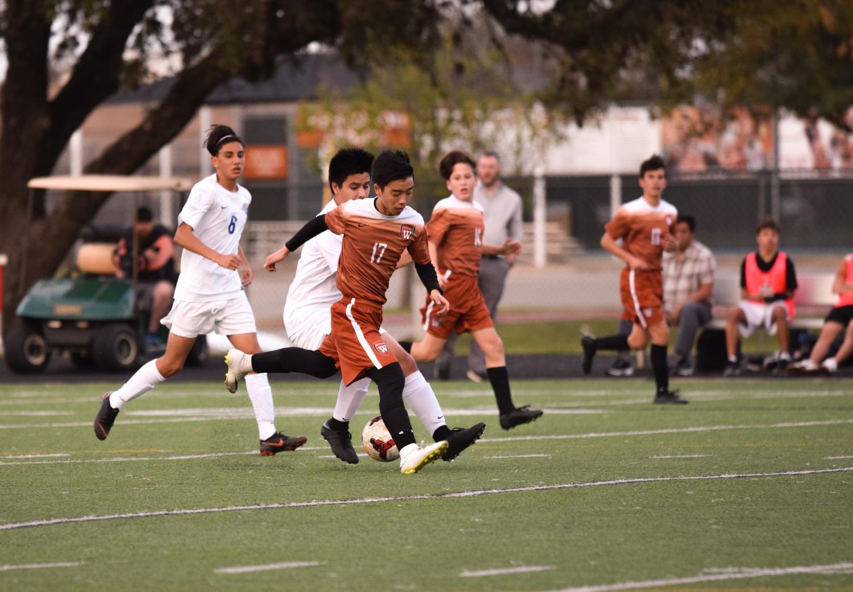 JV+Orange+Boys%27+Soccer+Gets+a+Clutch+Win+Against+Leander+1-0