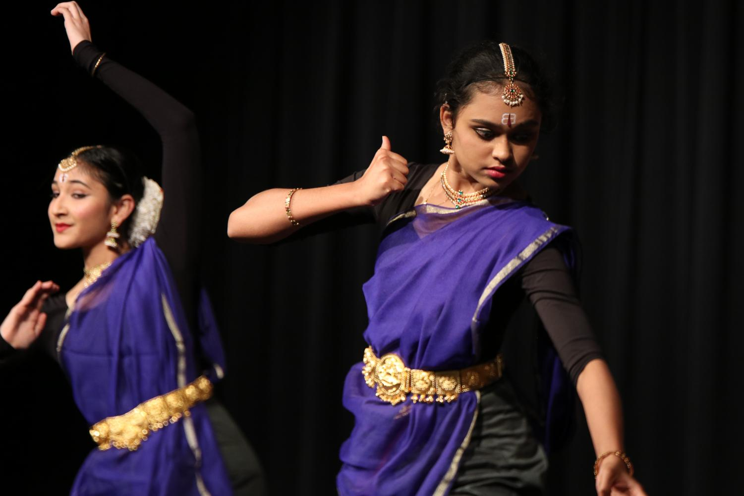 The+dancers+tell+the+story+of+Shiva%2C+a+Hindu+deity%2C+in+their+traditional+Bharatanatyam+performance.