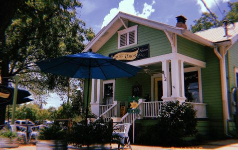 Sweet Lemon Inn & Kitchen Serves Organic Dishes with a Texan Flair