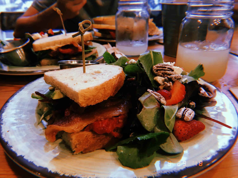 The+cafe%27s+A%2B+BLT+sandwich+and+their+Sweet+Lemon+House+salad.