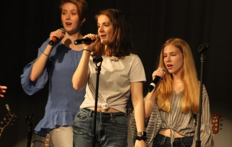 Choir Performs Diverse Music at 'Cabaret'