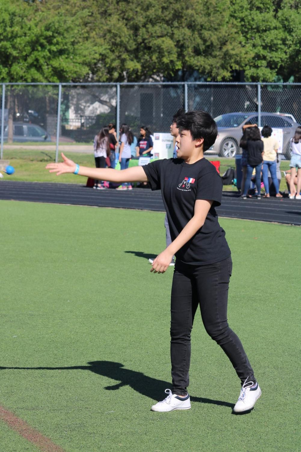 Sophia+Li+%2720+tosses+the+ball+towards+the+goal+to+score+a+point.+